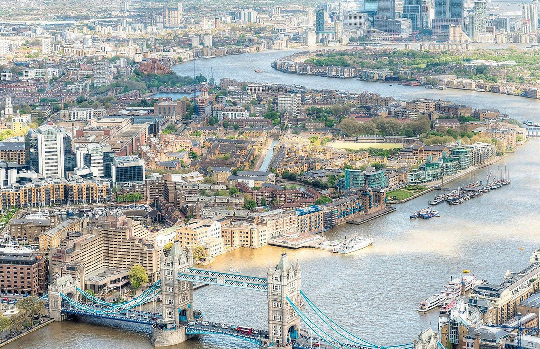 Der Yacht-Hafen St.Katharine Docks ist mitten im Zentrum, direkt neben der Tower Bridge.